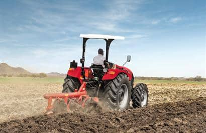 Farmall JXM-Heavy duty straight rear axle for demanding hitch applications
