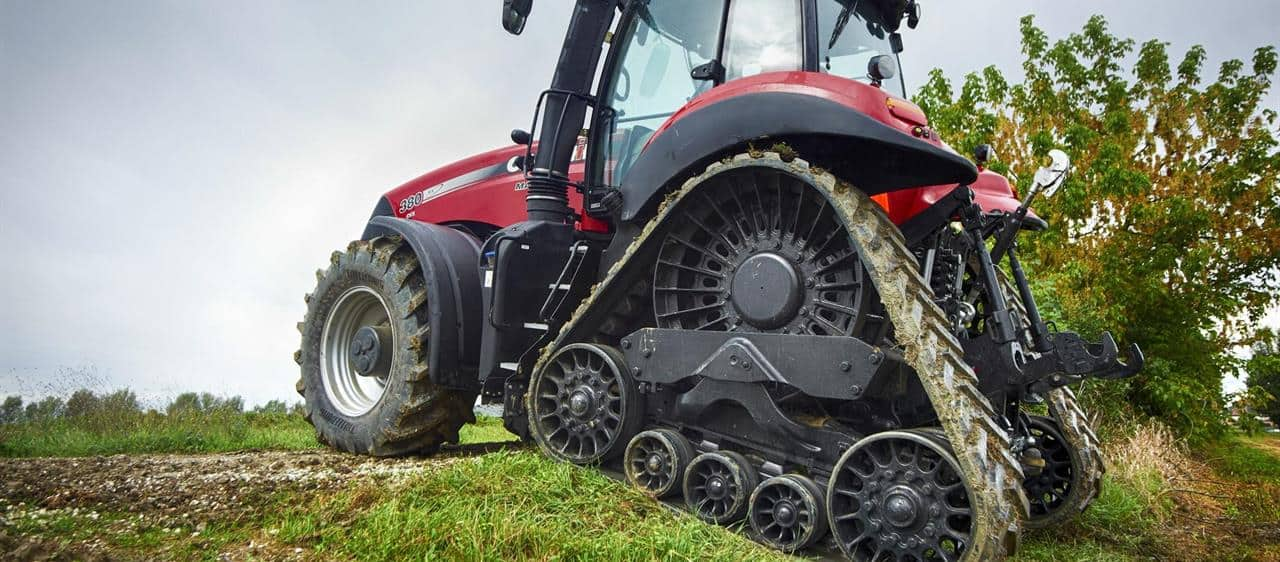 Magnum Rowtrac-Reduced soil disturbance with increased traction