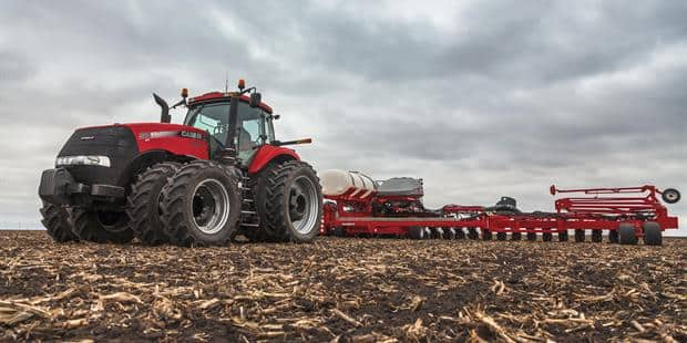 Case IH Unveils Added Power & Simplicity With New Magnum Tier 4 Final Lineup for 2014