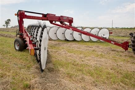 Wheel Rakes | Hay and Foraging Equipment | Case IH