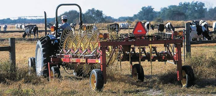 ht-trailing-wheel-rakes-overview-03.jpg