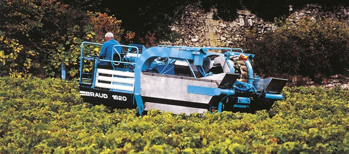 braud-9000l-new-braud-9000l-the-era-of-intelligent-grape-harvesting-begins-02.jpg