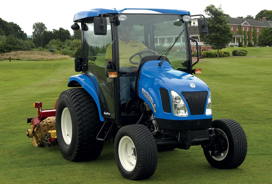 New Holland Boomer Compact Tractors : New holland boomer™ d compact tractor upgraded with tier