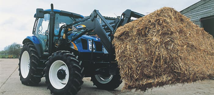 t6000-delta-flexible-t6000-tractors-satisfy-the-demands-of-many-operations-02.jpg