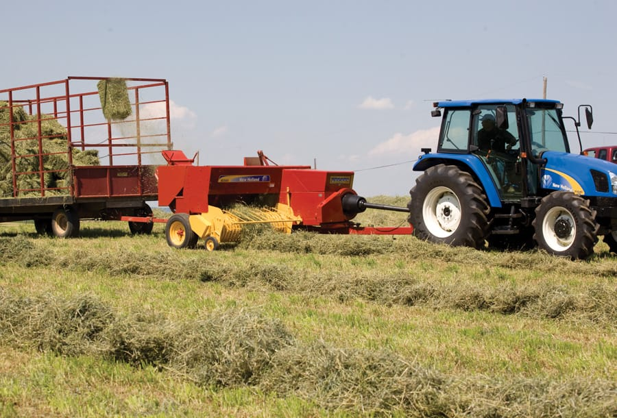 SQUARE BALER BC5060 - Overview | Hay & Forage | New Holland