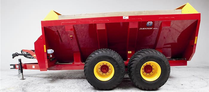 duratank-side-delivery-spreaders-durability-01.jpg