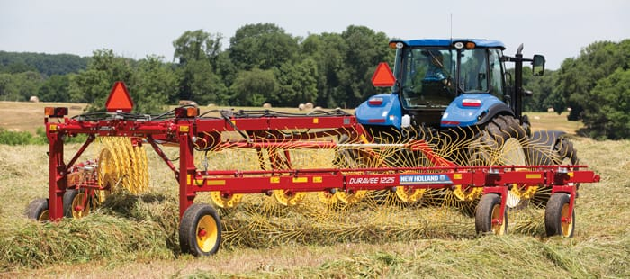 duravee-rakes/Features/Overview/duravee-trailing-wheel-rakes-the-fast-way-to-move-more-hay-01.jpg