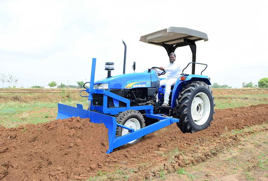 Gallery  sc 1 st  New Holland & 4710 2WD with Canopy - Models | Agricultural Tractors | New ...