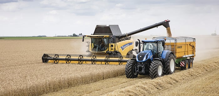 cx8-welcome-to-the-world-of-super-conventional-combines