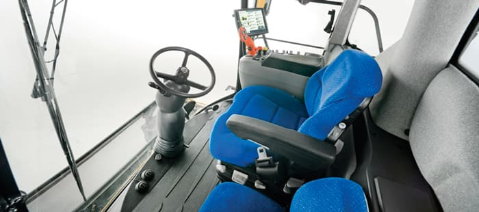 fr-tier-4a-cab-and-comfort-03a.jpg