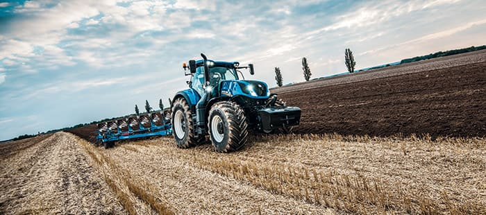 t7-315-tractor-wins-machine-of-the-year-2016-01.jpg