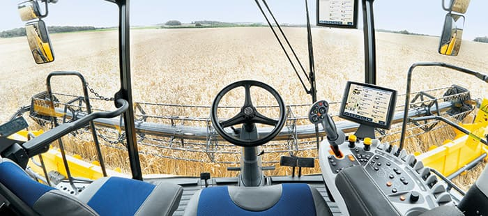 new-holland-cr-combine-harvesters-gain-in-power-and-efficiency-with-tier-4b-technology-02.jpg