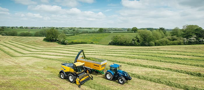 new-holland-fr-forage-cruiser-delivers-leading-chopping-performance-01.jpg