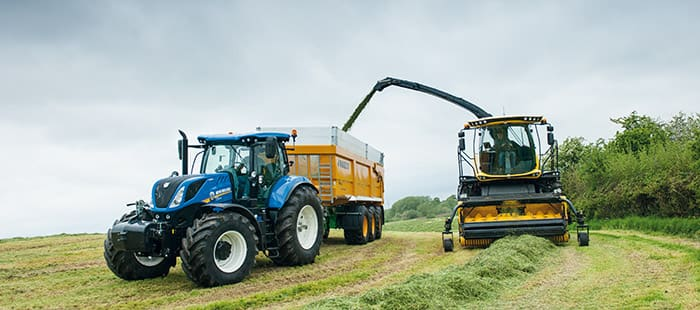 new-holland-fr-forage-cruiser-delivers-leading-chopping-performance-02.jpg