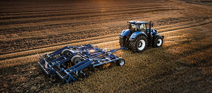 new-t7-290-t7-315-tractors-deliver-high-powered-perfomance-01.jpg