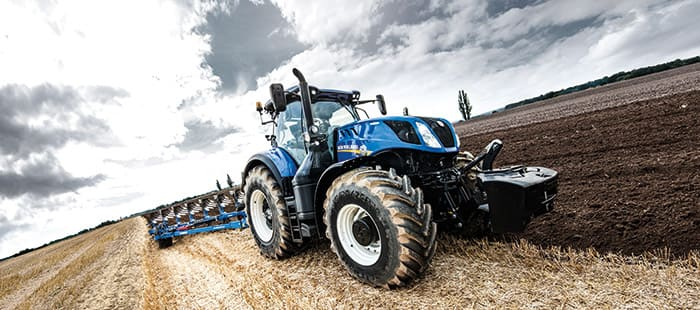 new-t7-290-t7-315-tractors-deliver-high-powered-perfomance-03.jpg