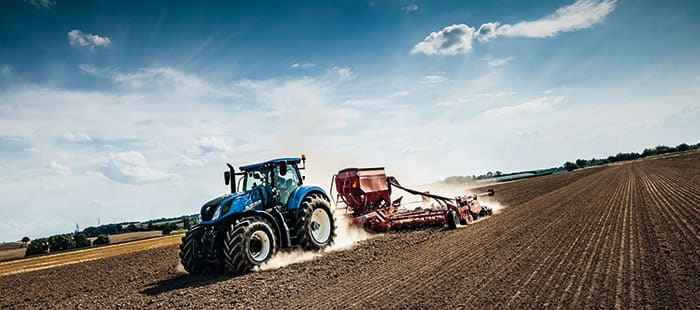 new-t7-290-t7-315-tractors-deliver-high-powered-perfomance-06.jpg
