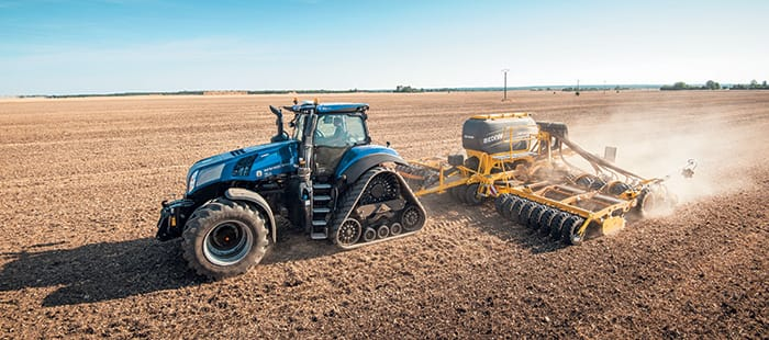 New Holland T8 GENESIS® with PLM Intelligence™, the productive combination of Horsepower and Digital power