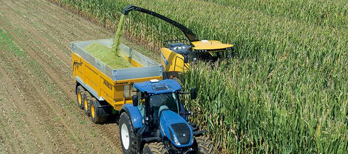 New Holland FR Forage Cruiser measures crop nutrients on the go with new NIR On Board<sup>TM</sup>  sensor