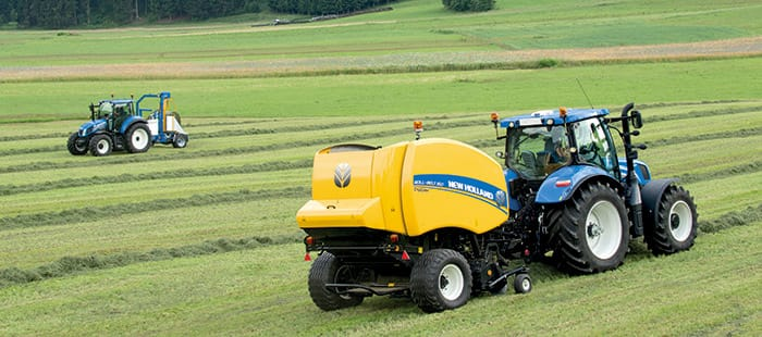 New Holland new Roll-Belt™ variable chamber round baler: up to 20% higher capacity and 5% denser bales