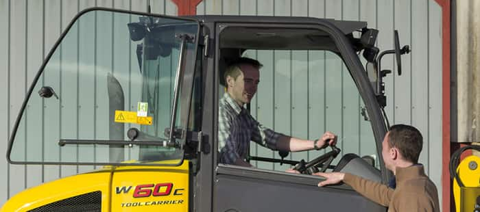 compact-wheel-loaders-cab-and-comfort