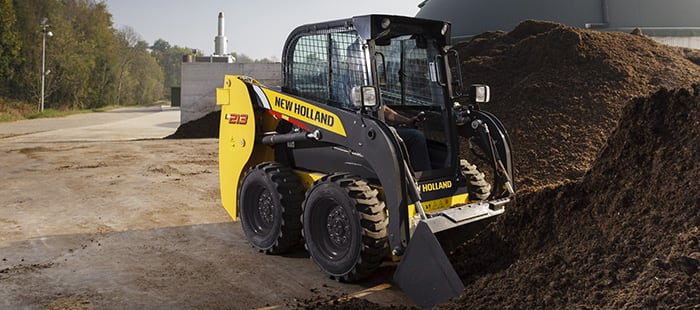 skid-steer-loader-best-in-class-boom-geometry.jpg