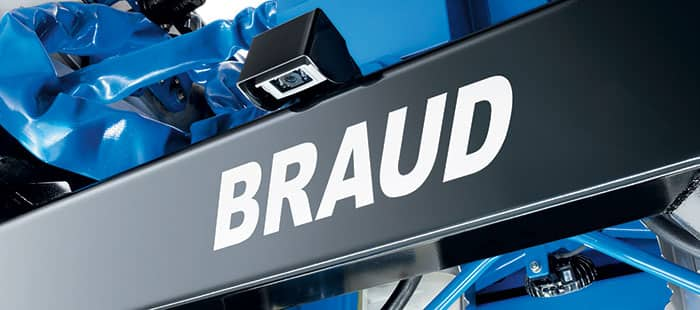 braud-9090x-dual-controls-and-monitor-02.jpg