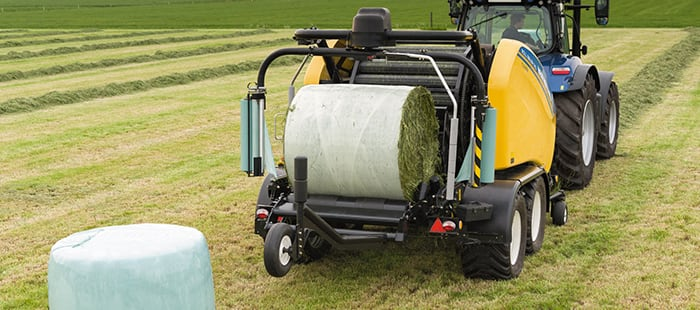 automatic-knife-retraction-for-a-smoother-bale-roll-baler.jpg