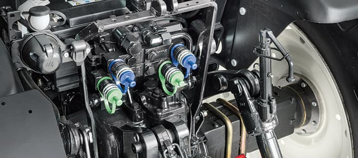 t4-lp-pto-and-hydraulics-03.jpg