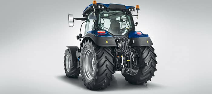 t5-dynamic-auto-command-hydraulics-and-pto