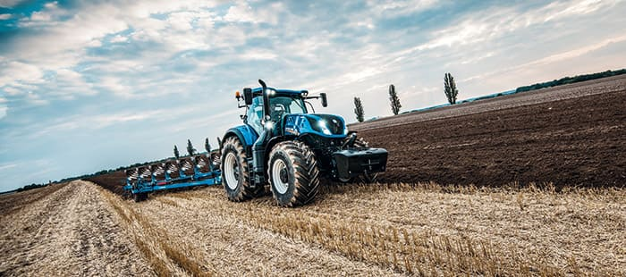 new-holland-agriculture-fieragricola-t7-heavy-duty-01.jpg