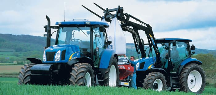 t6000-delta-flexible-t6000-tractors-satisfy-the-demands-of-many-operations-01.jpg
