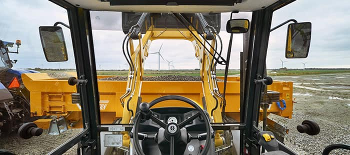 backhoe-loaders-class-leading-operator-environment