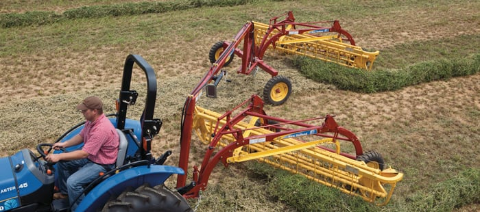 252-pivot-tongue-rake-hitch-dual-raking-saves-you-time.jpg