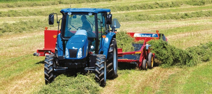 center-pull-windrow-mergers-smooth-crop-conveyance-01.jpg