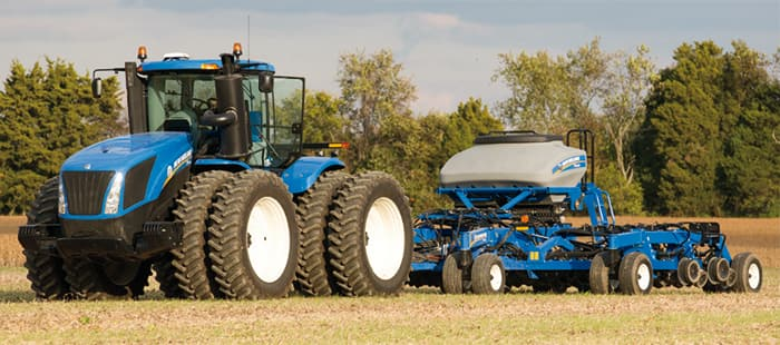 T9 SERIES TRACTORS <br> COMMAND THE POWER OF UP TO 682 HORSES IN ULTIMATE COMFORT.