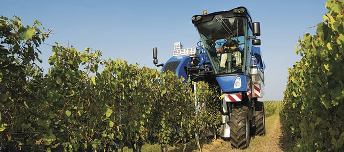 braud-high-capacity-grape-harvesters/features/overview/braud-high-capacity-high-qualty-grapes-for-high-quality-wine-01.jpg