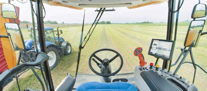 sp-forage-harvesters-innovations-cab-and-controls-01.jpg