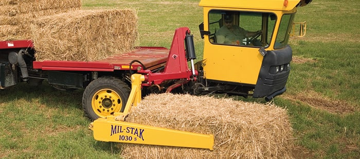 bale-wagon-h9800-series-mil-stack-attachment-03.jpg