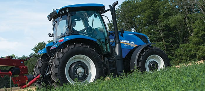 t6-dynamic-command-agricultural-tractor-01.jpg