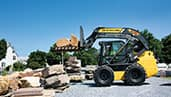 300-series-skid-steer-loaders_highlight_1