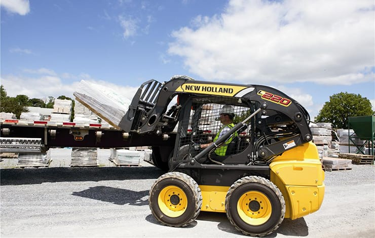 https://assets.cnhindustrial.com/nhce/NAR_Assets/Equipment/Skid-Steer-Loaders/L220/L220_main.jpg