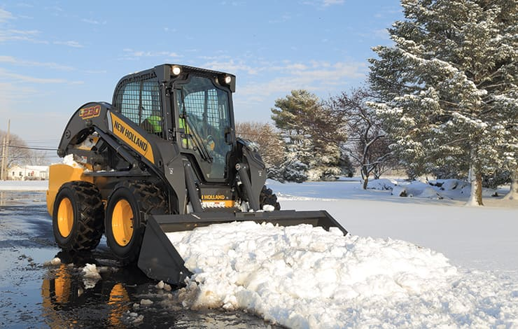 https://assets.cnhindustrial.com/nhce/NAR_Assets/Equipment/Skid-Steer-Loaders/L230/L230_main.jpg